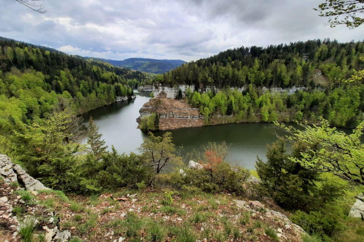 Flusslandschaft des Doubs