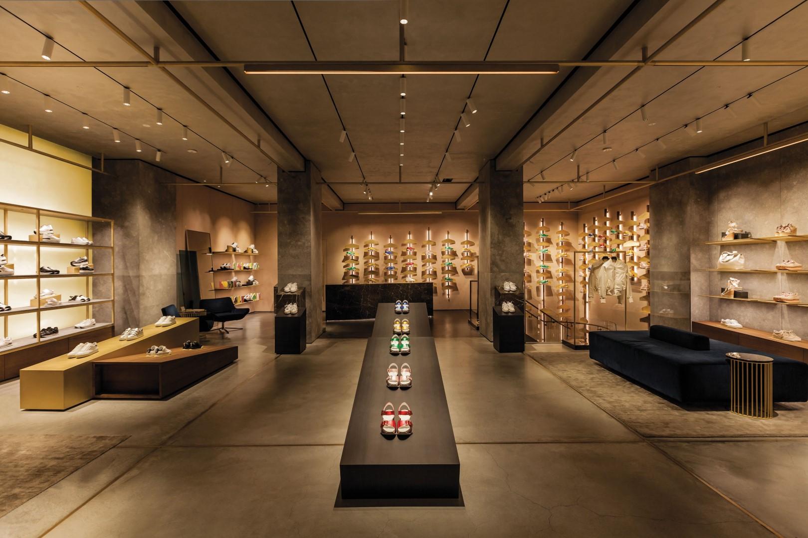 4afc692697 Hogan Milano via Montenapoleone | inaugurazione | nuova boutique | foto