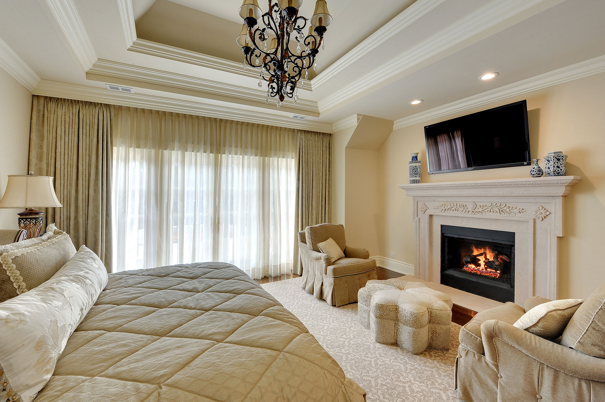 bed | master-bedroom-fireplace | new custom homes | globex
