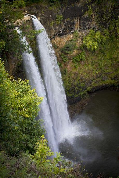 Wailua Falls - Kauai island on Hawaii - the best time to go to Hawaii