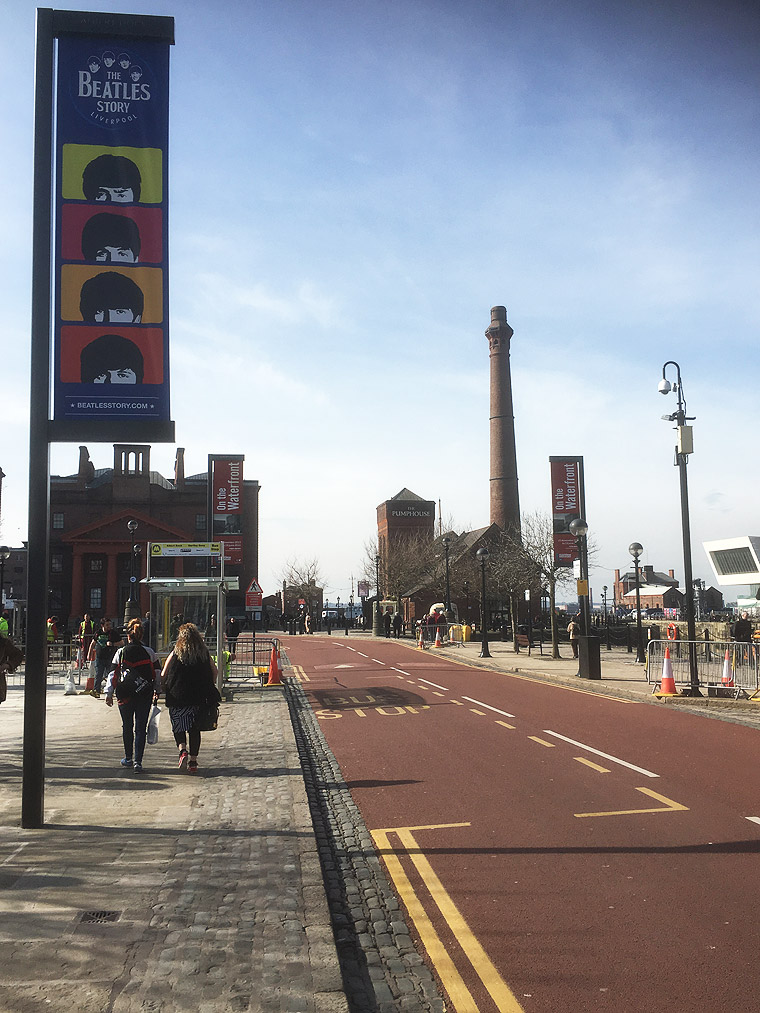 The approach road to Albert Dock