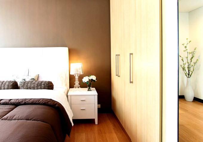 中国のメイドさん・お手伝いさん・ナニ−さんである「アイさん」のお陰でお部屋はピカピカきれい!