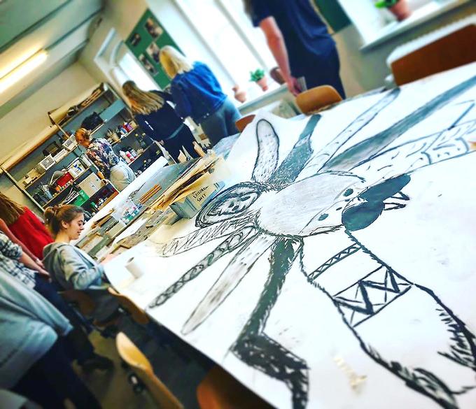生涯学習機関フォルケホイスコーレの実際の美術コースの様子