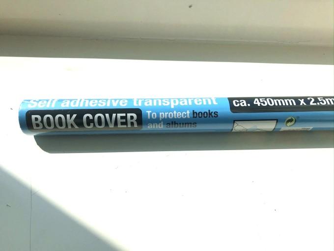 教科書の包装用に使うシールタイプの透明包装紙