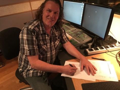 """""""Dirigent André Bijleveld tekent contact met Ecovata voor de distributie van het kerst album Good Tidings"""""""