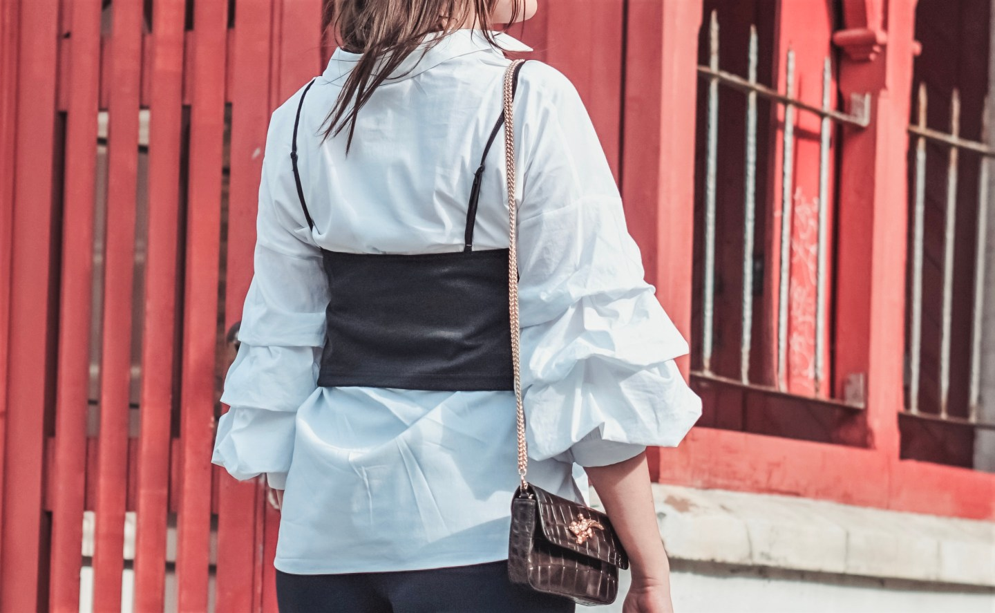Style diaries: Poplin Shirt with Pleated Sleeves, Sequin Crop Top, Flared Trousers, High Heel Shoes, Crocodile Embellished Shoulder Bag. #fashion #style #ootd #sequins