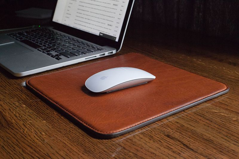 Homemade Gift Ideas For Boyfriend: DIY Mouse Pad via Man Made DIY