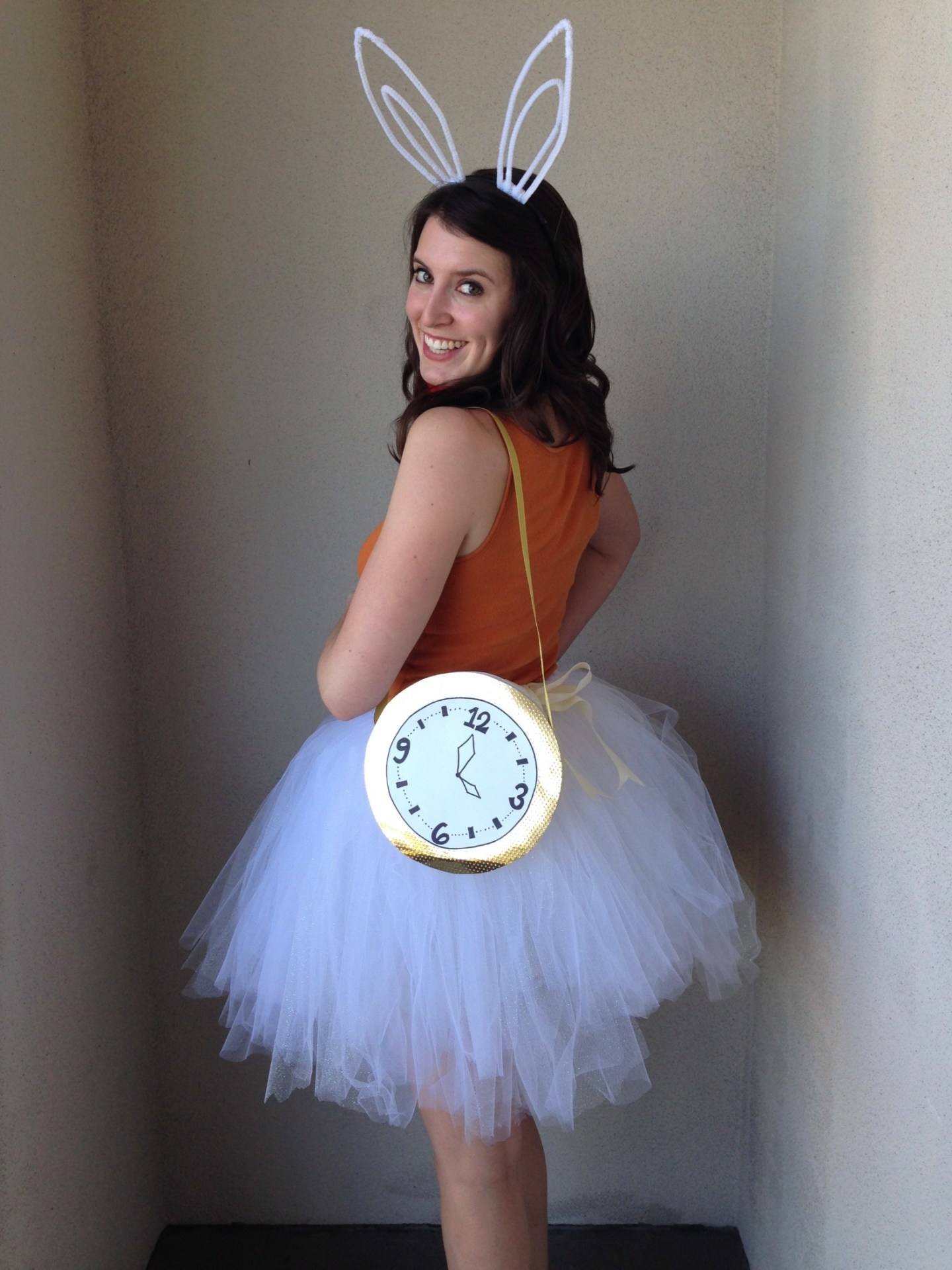 ALICE IN WONDERLAND RABBIT DIY HALLOWEEN COSTUME FOR TEEN GIRLS