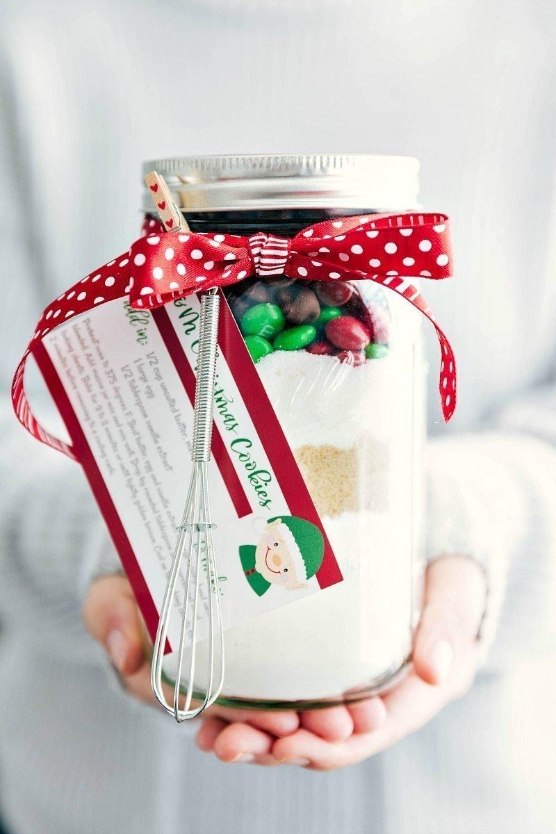 Easy DIY Christmas Gifts: Mason Jar Sugar Cookies