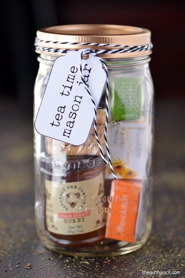 DIY Christmas Gifts: Tea Time Mason Jar