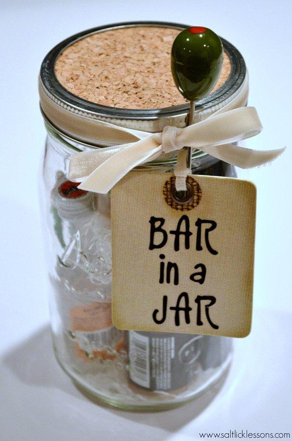 DIY Christmas Gifts For Boyfriend: Bar In A Jar