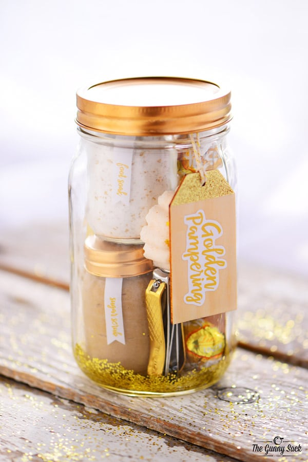 DIY CHRISTMAS GIFTS FOR HER: GOLDEN PAMPERING MASON JAR GIFT