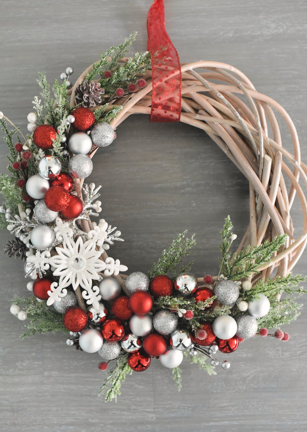 DIY Elegant Willow Wreath