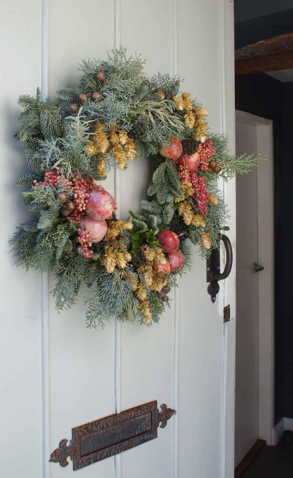 DIY Contemporary Christmas Wreath
