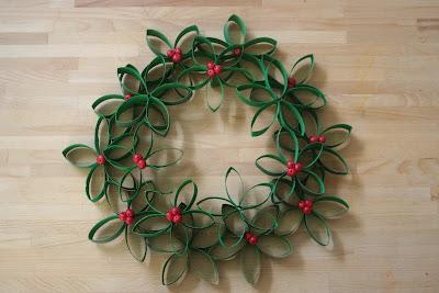 DIY Toilet Roll Christmas Wreath