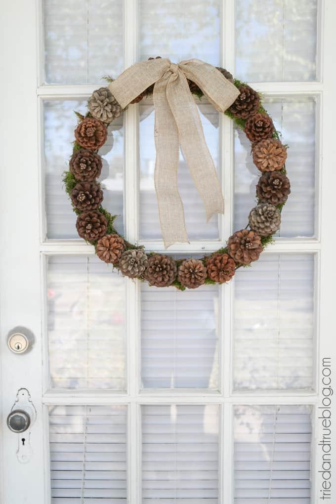 DIY Basic Pinecone Wreath