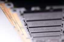 Macro microchip