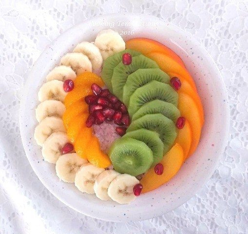 Healthy Overnight Oats Recipe with Fruits 1