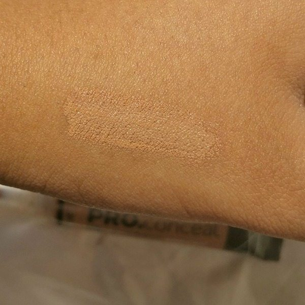 L.A.Girl PRO.Conceal HD Almond Review 3