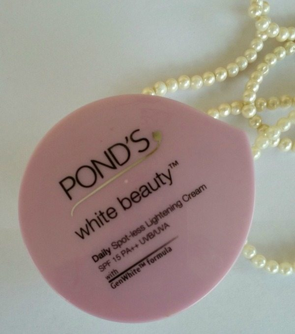 Ponds White Beauty Daily Spotless Lightening Cream Review