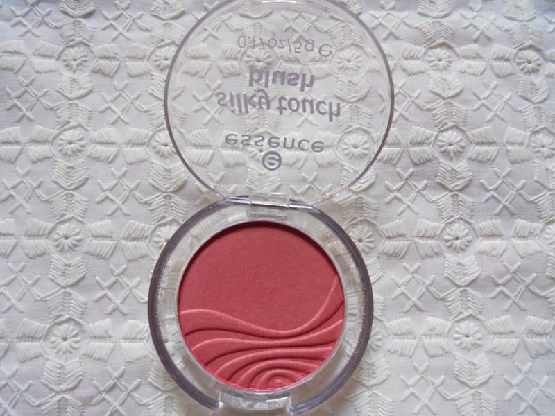 Essence Silky Touch Blush 70 Kissable Review 3