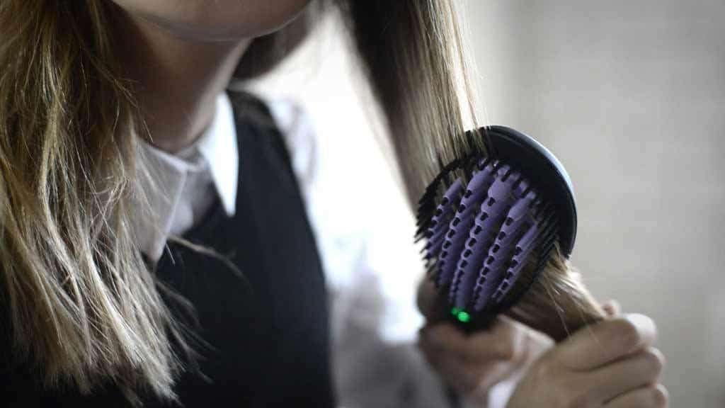 Hair Straightening Brushes - All You Need to Know ! 7