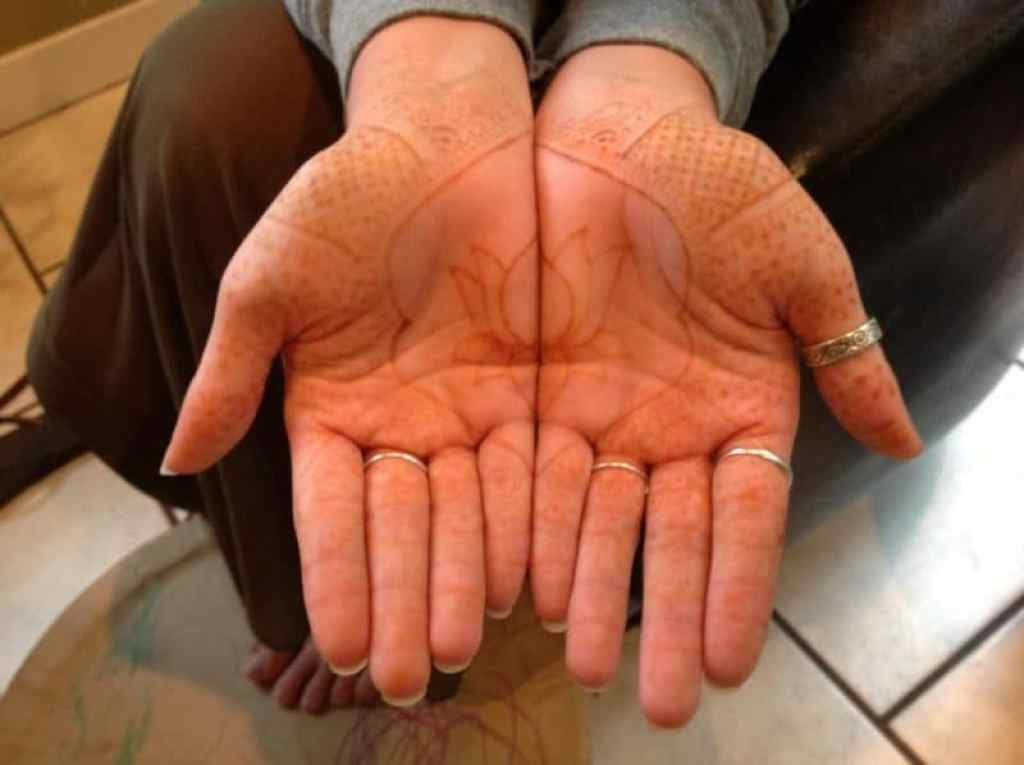 How to Clear Fading Mehendi ! 3
