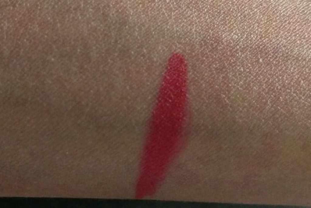 Lakme Enrich Lip Crayon Berry Red 2