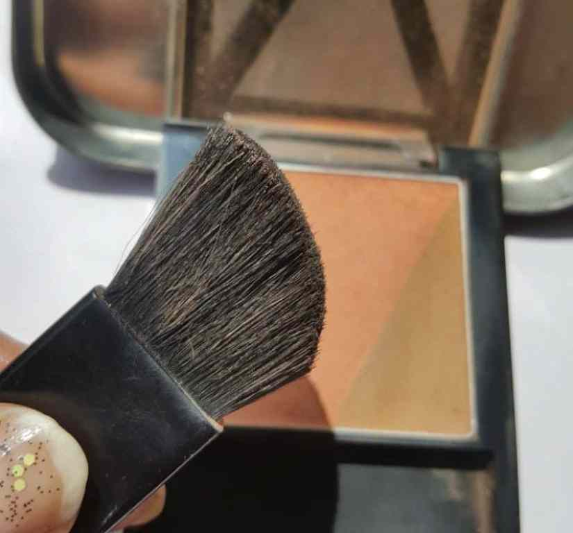 Maybelline New York V-Face Blush Contour Brown by Face Studio Review 1