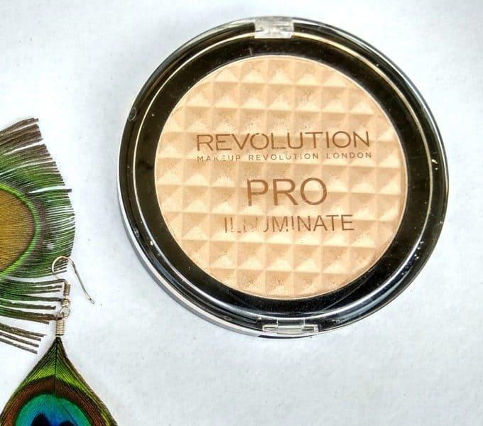 The Makeup Revolution Pro Illuminate Highlighter