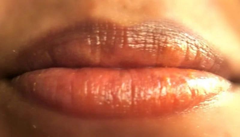 VLCC Lovable Lips Mango Lip Balm  4