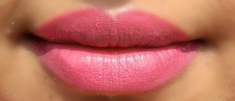 Wet N Wild Satin Finish Lipstick Hot Paris Pink 3