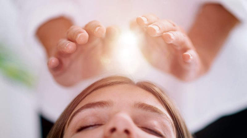 THE UNIVERSAL HEALING OF REIKI
