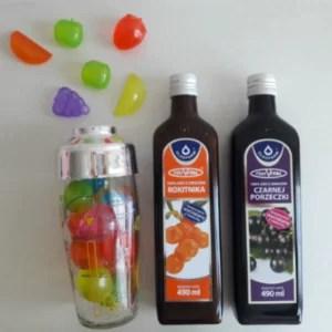 Shaker oraz dwie butelki soków Vital marki Oleofarm
