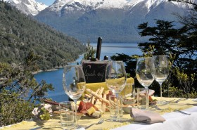 wines, private picnic in Argentina