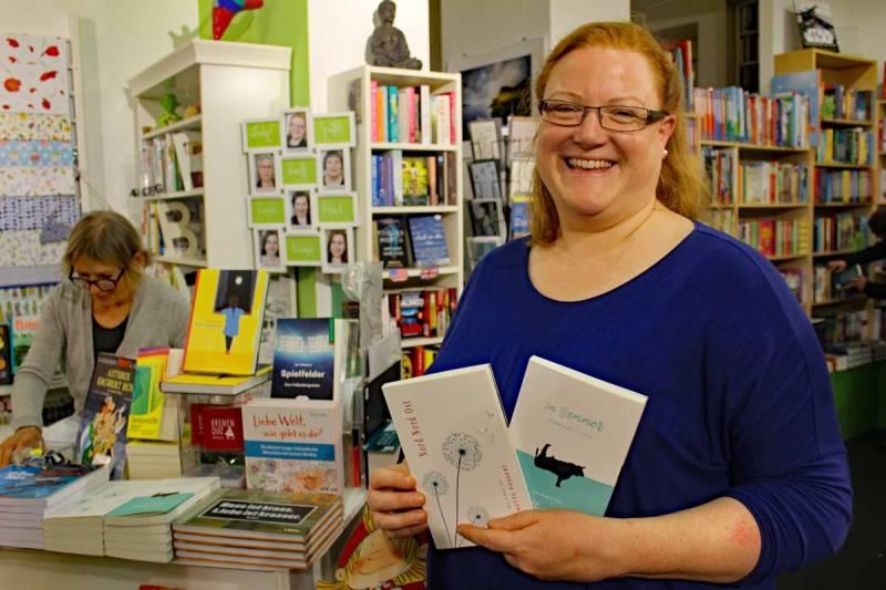 """Barbara Hüchting, Inahberin der Buchhandlung """"Findorffer Bücherfenster"""" freut sich auf die Doppel-Lesung in der Woche unabhängiger Buchhandlungen"""