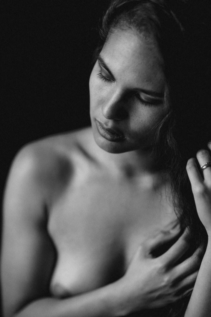 Portrait, Porträt. Boudoir, Akt, Lingerie, Dessous-Shooting, Erotik, Aktshoting, Erotikshooting, Boudoir-Shooting, Erotik, Bodie, Body, sensual nude