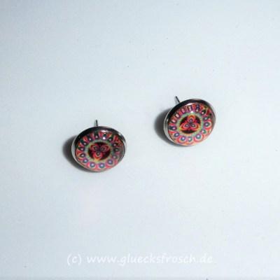 Ohrstecker mit roten Mandala