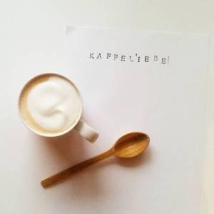 Foto von einem Milchkaffee