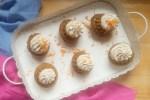 Foto von Rührkuchen in Gugelhupf-Formen