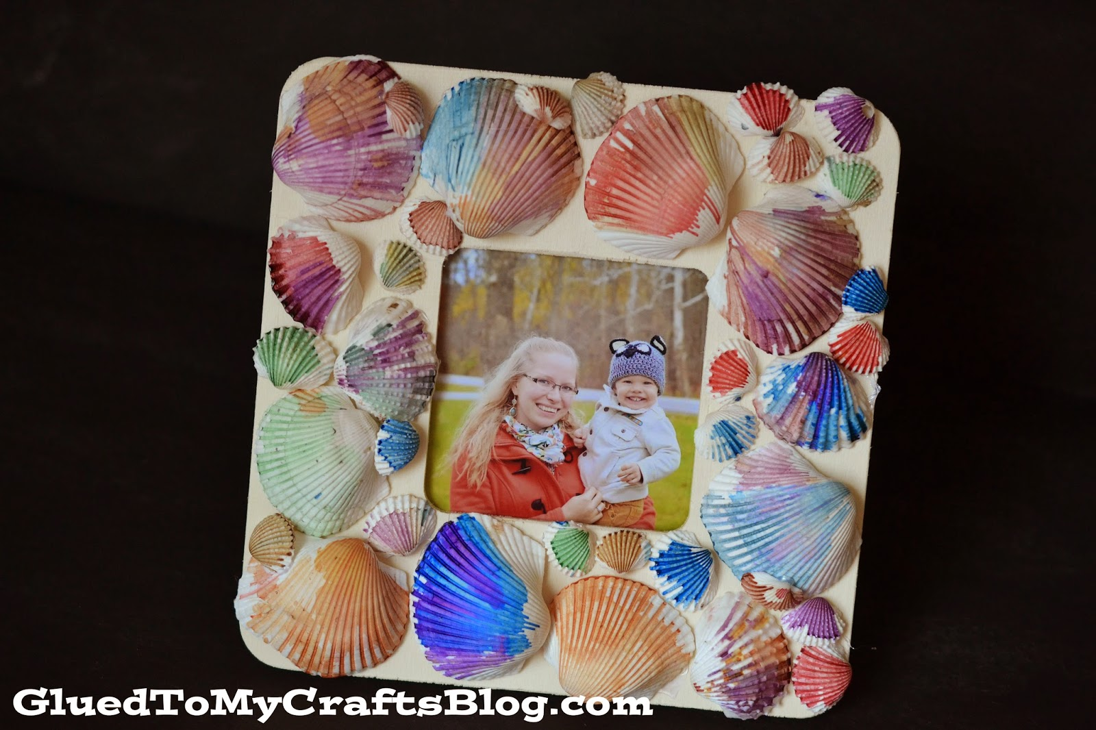 Watercolor seashell frame kid craft for Large seashells for crafts