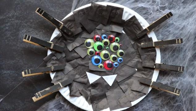 Paper Plate Halloween Spider {Kid Craft}