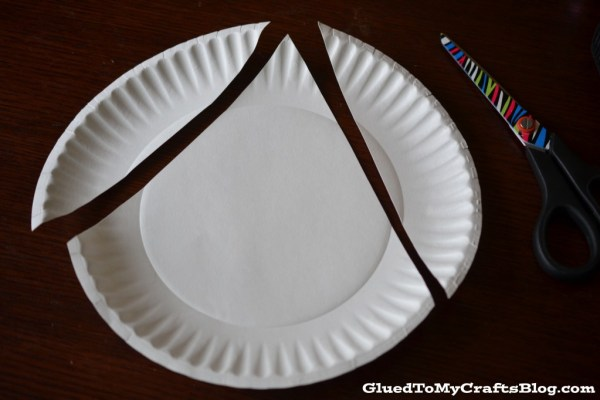 Paper Plate Christmas Tree {Kid Craft}