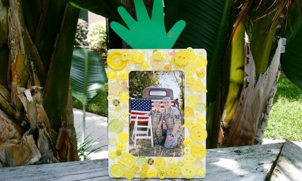Button Pineapple Frame – Kid Craft