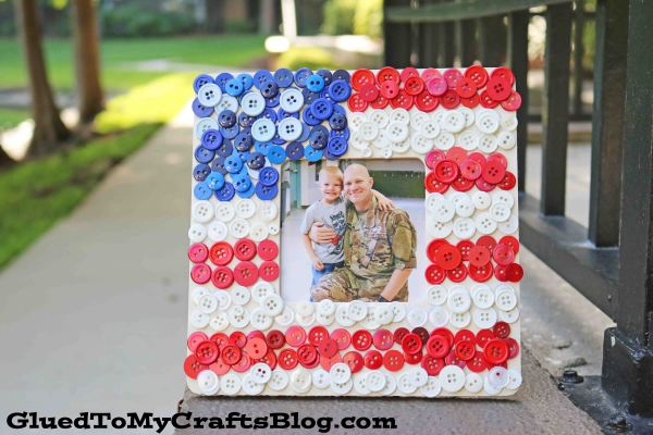DIY Button Flag Wooden Frame