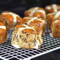 perfect-hot-cross-scones