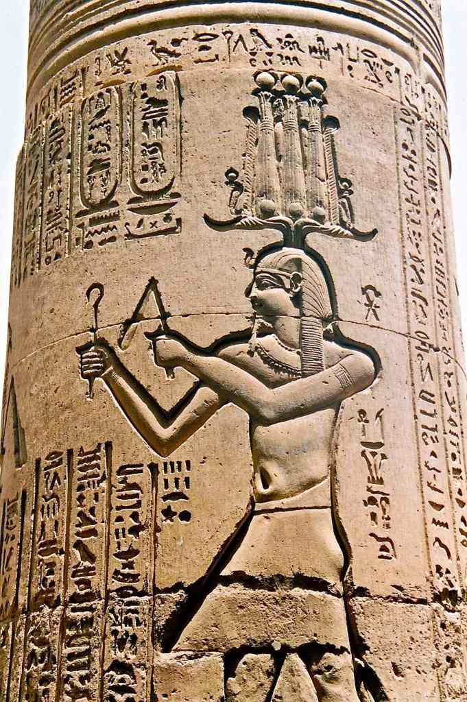 egypt-temples-hieroglyph