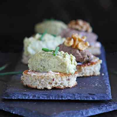 Toast Appetizers (or Party Bruschetta) – Quick and Easy