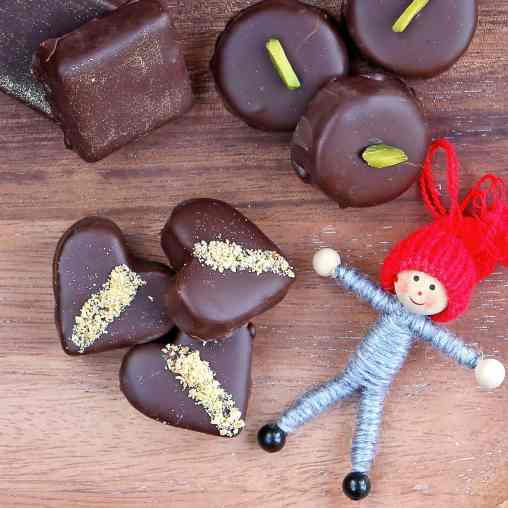 homemade-marzipan-chocolates
