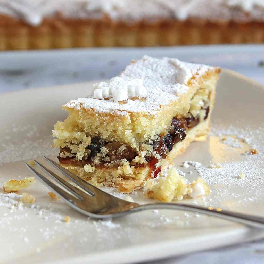 frangipane-mine-pies-slice